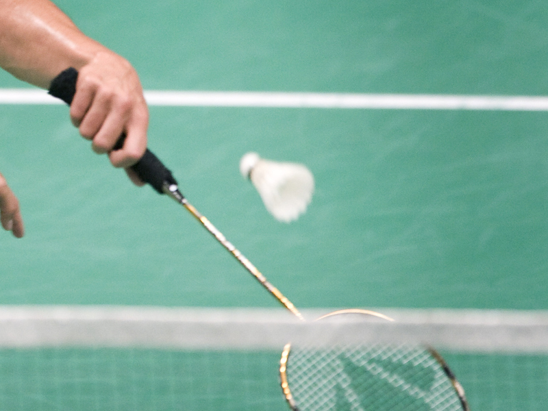 racket met shuttle